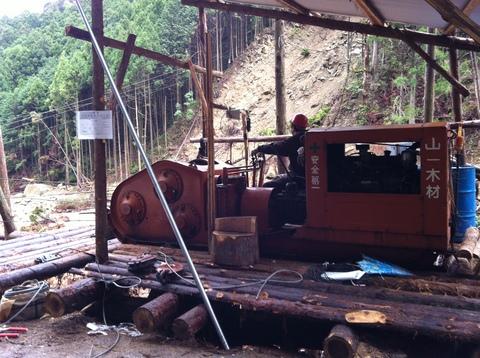 会社近くの木材搬出風景 013.jpg