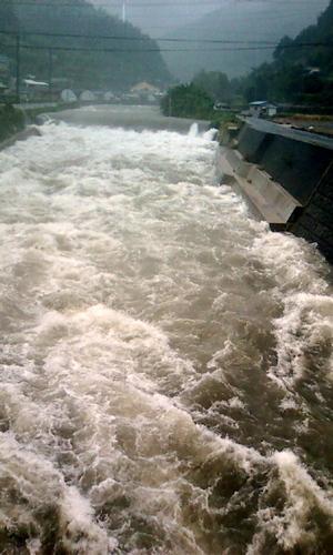 2009年9月26日大雨洪水警報発令 004.jpg